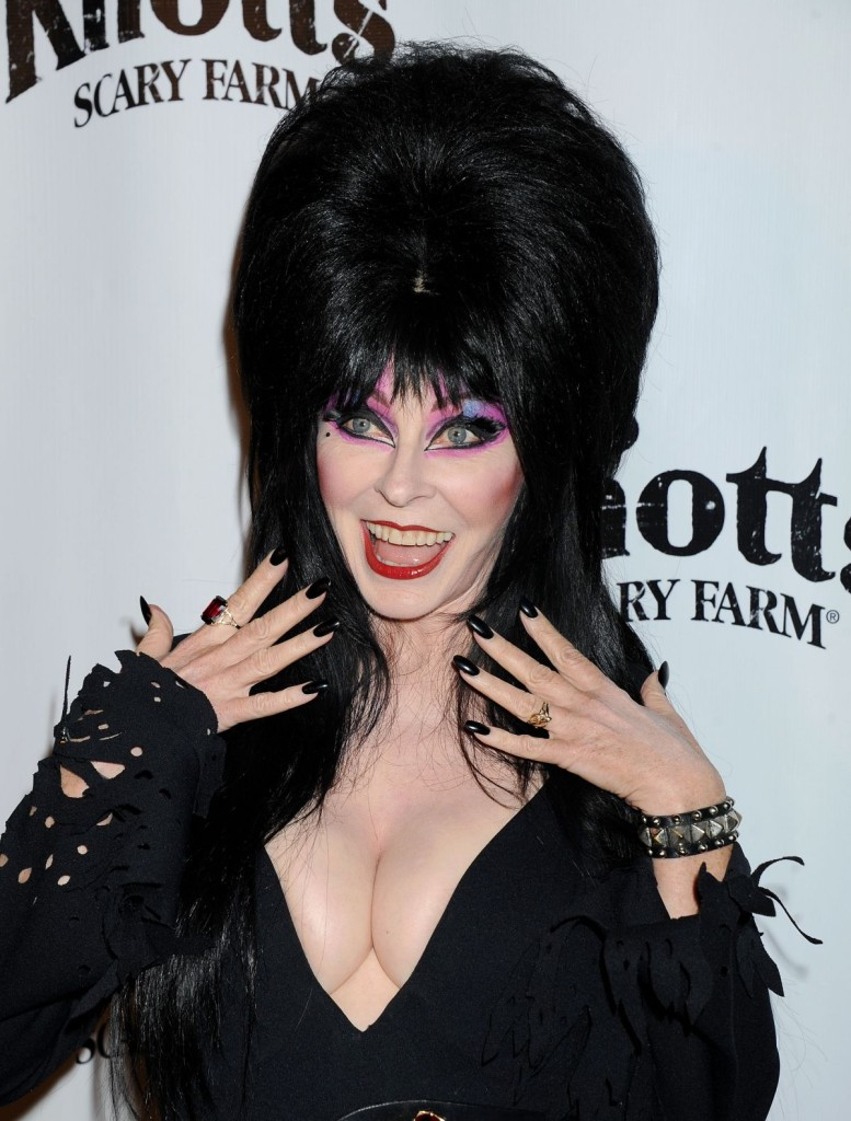 cassandra-peterson-elvira-at-vip-opening-of-knott-s-scary-farm-haunt_1