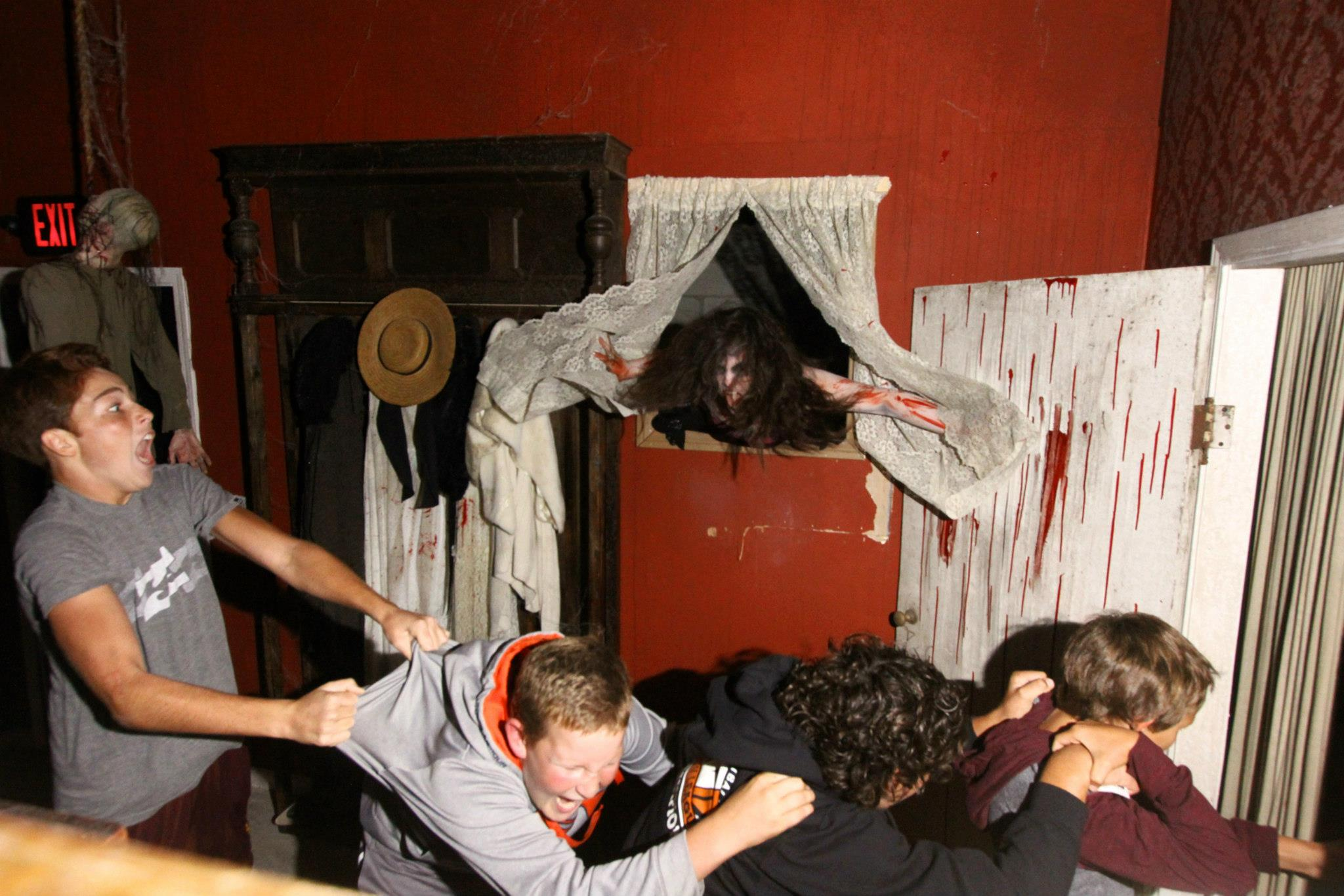 Ventura county scare zone for Good themes for a haunted house