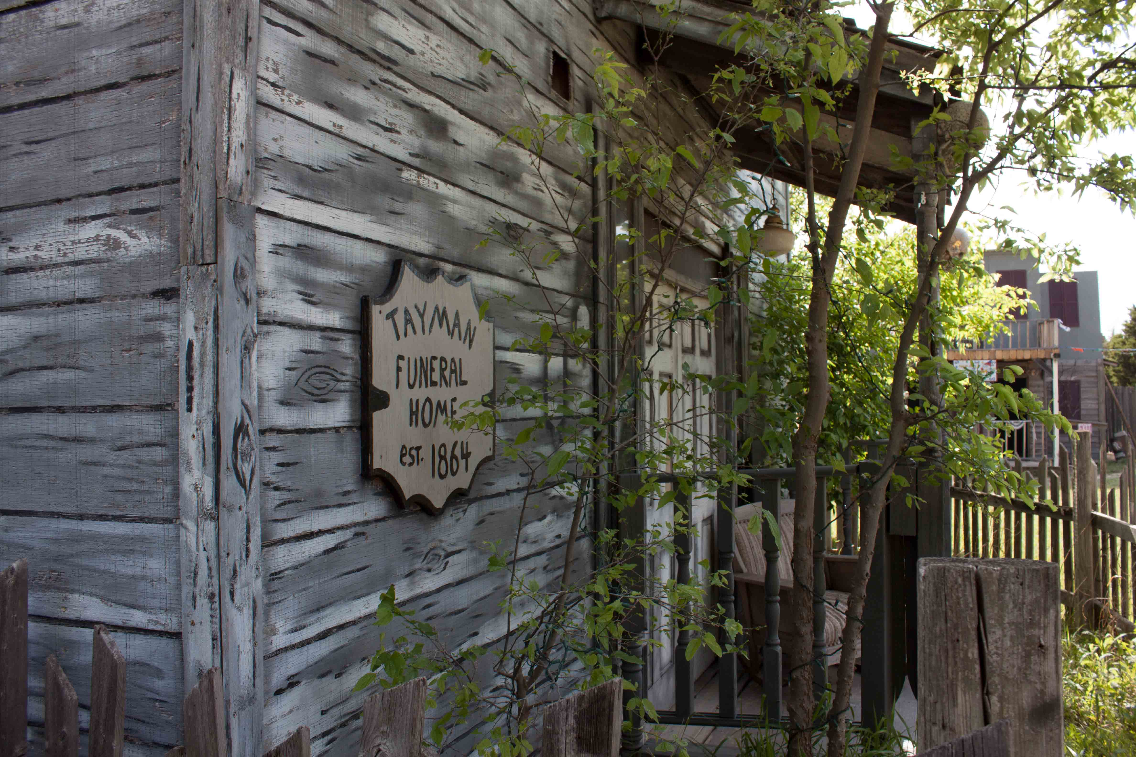 The gallery for haunted hayride ideas for Haunted woods ideas